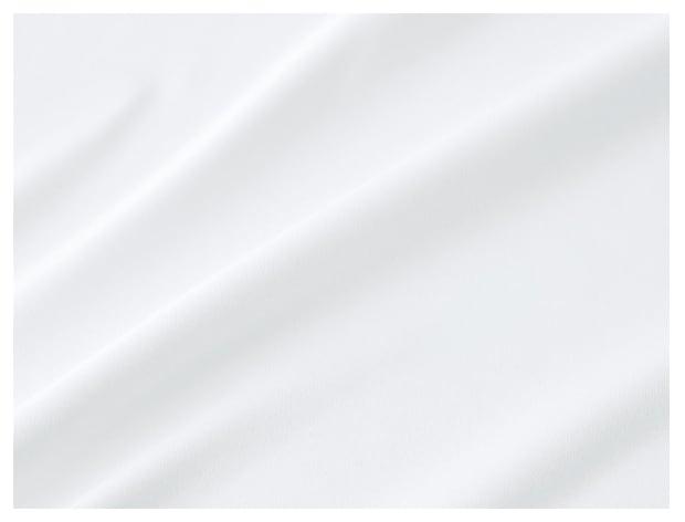 ポリエステル素材の常識を覆す、上質なめらかなシルキータッチの新素材。