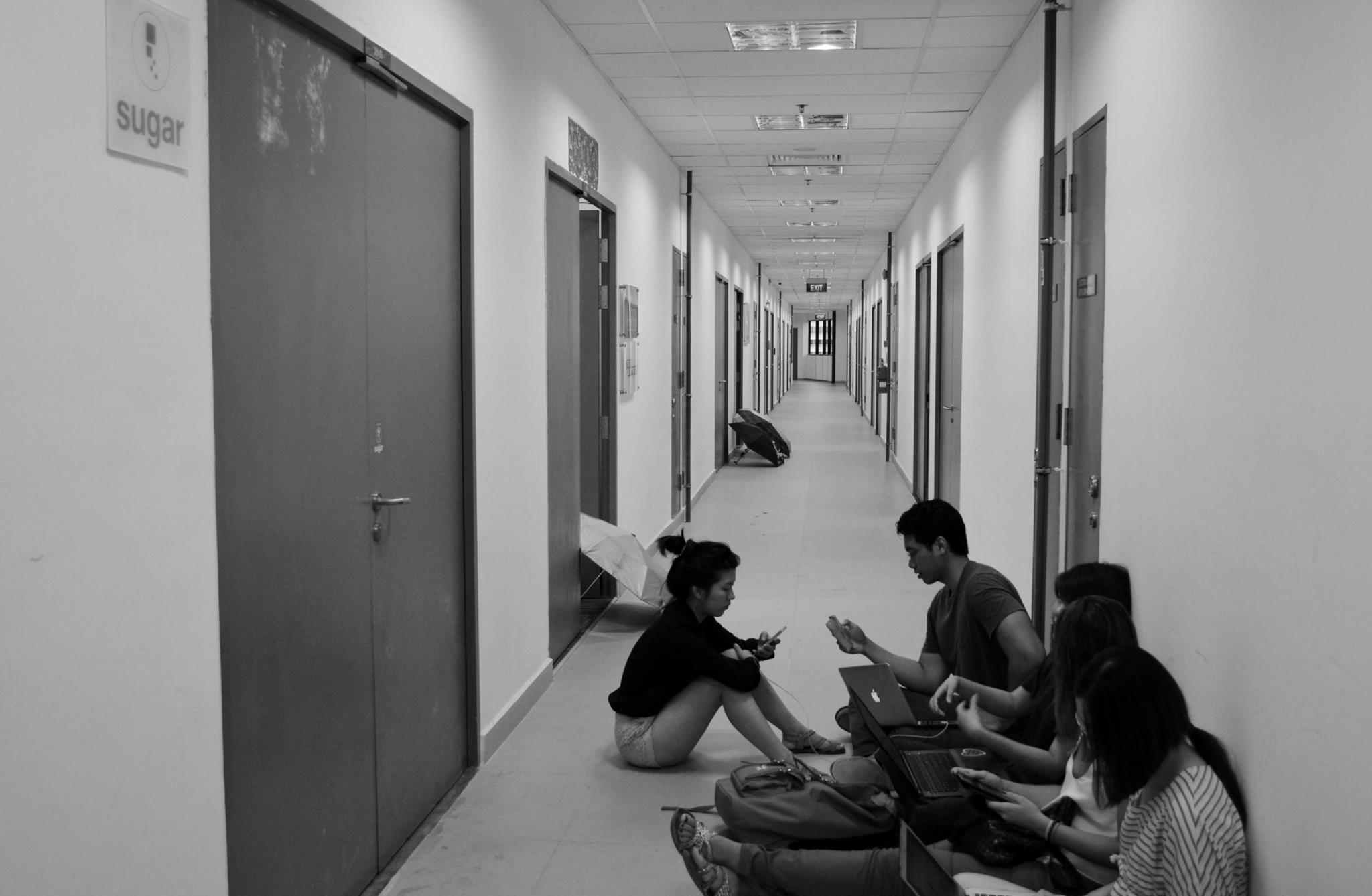 課題は安全や法規制。シンガポールの郵便局がドローンでの配達を検討。