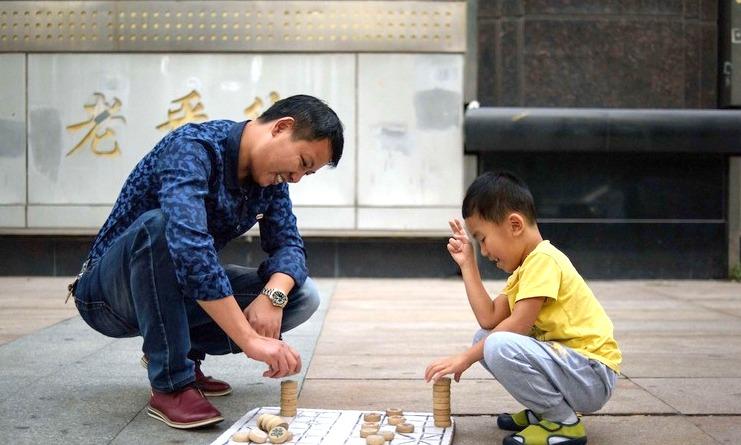 長年の人権問題が解消される?中国が40年間続いた一人っ子政策の廃止へ。