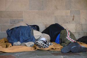 ホームレスは自業自得??脱出困難な負のスパイラルとは。