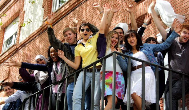 アメリカ留学にかかる費用と留学費用を抑える方法3つ!