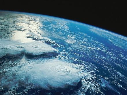 「日本人」を脱ぎ去り「地球人」へ。我々の共同体意識の向かうべき未来。