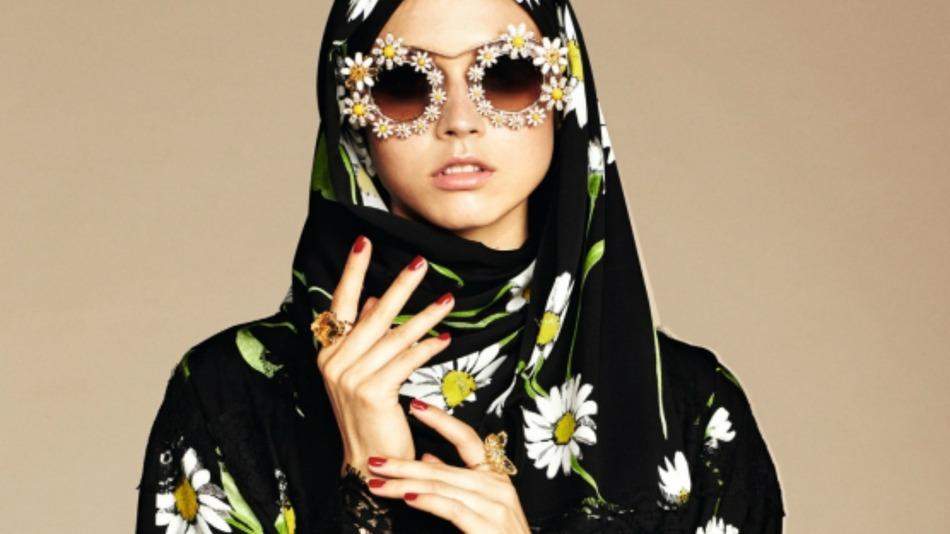 有名ブランドがヒジャブなどムスリムの人に向けたコレクションを発表