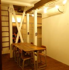 シェアアトリエ、シェアギャラリー併設のシェアハウス!ギャラリーでいつでも展示可能!