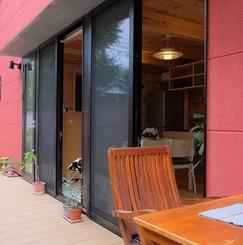 西荻窪のエアロハウスに暮らしながら、パーティーを通してコミュニティーづくりをする