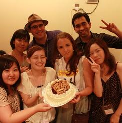 『半年で英語が喋れるようになる』 国内留学CosmoHouse