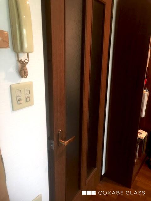室内ドアのガラスの割れ替えに設置した「型板ガラス(霞) 4mm」(2)
