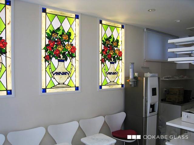 ステンド風塗装ガラスの設置事例 : 描線 & 塗装