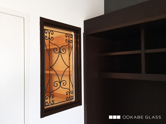 ステンド風塗装ガラスの設置事例 : 描線のみ