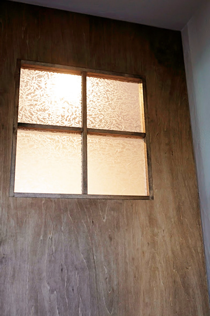 ドア窓に使用した「結晶ガラス」(2)
