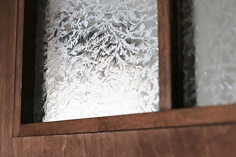 ドア窓に使用した「結晶ガラス」(1)