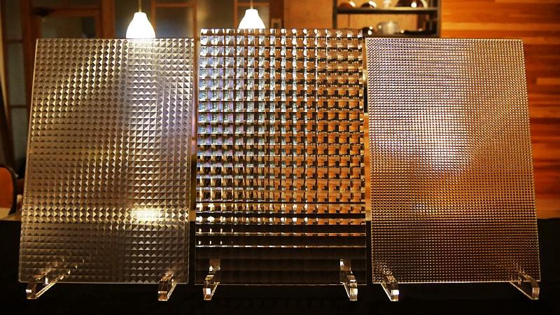 写真・価格で比較!「チェッカーガラス」・「デザインフィルムガラス」どちらがオススメ?