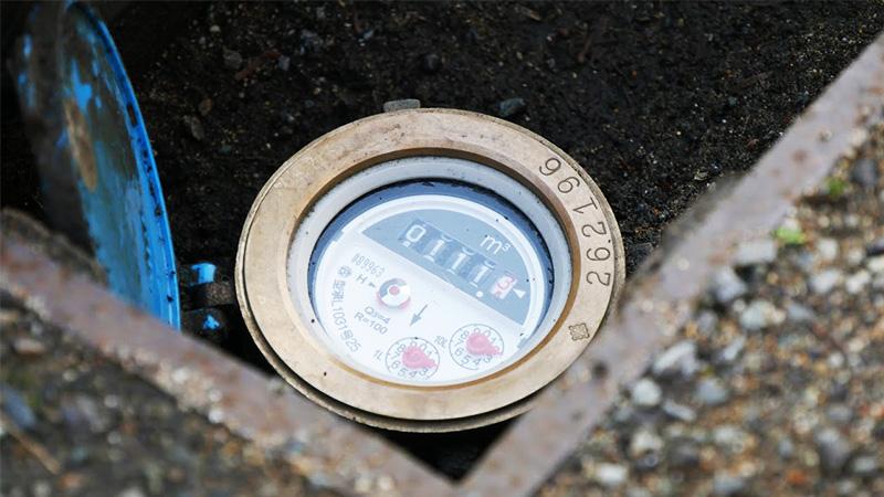水道メーターの保護用ガラスとして使用された「強化ガラス」の事例のお写真