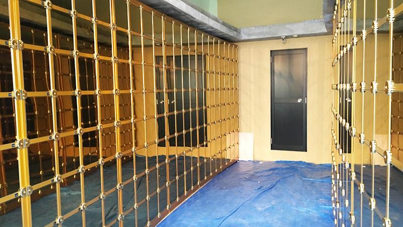 お客様事例 : 納骨壇のガラス扉に「強化ガラス(5mm)」を設置した事例(寺院用仏具販売会社 K社様)