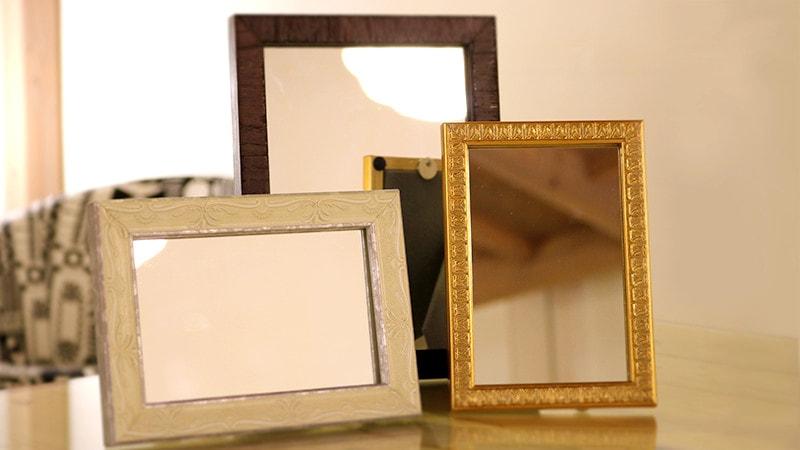 写真立てを卓上ミラーに!鏡の楽しい使い方をご紹介します