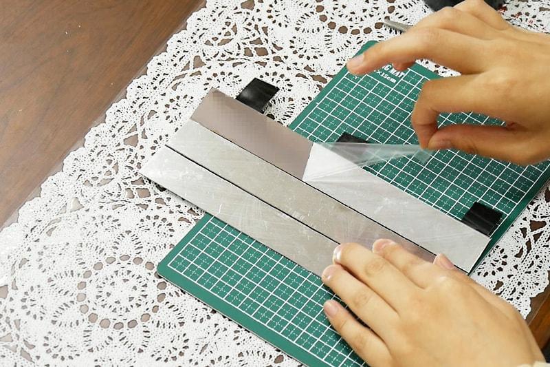 万華鏡の作り方 表面反射鏡をカットして組み立てる(5)