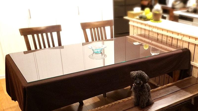 汚れの悩みにサヨナラダイニングテーブルにガラストップを設置した事例
