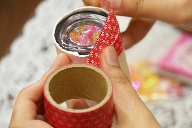 万華鏡の作り方 マスキングテープで固定する(1)