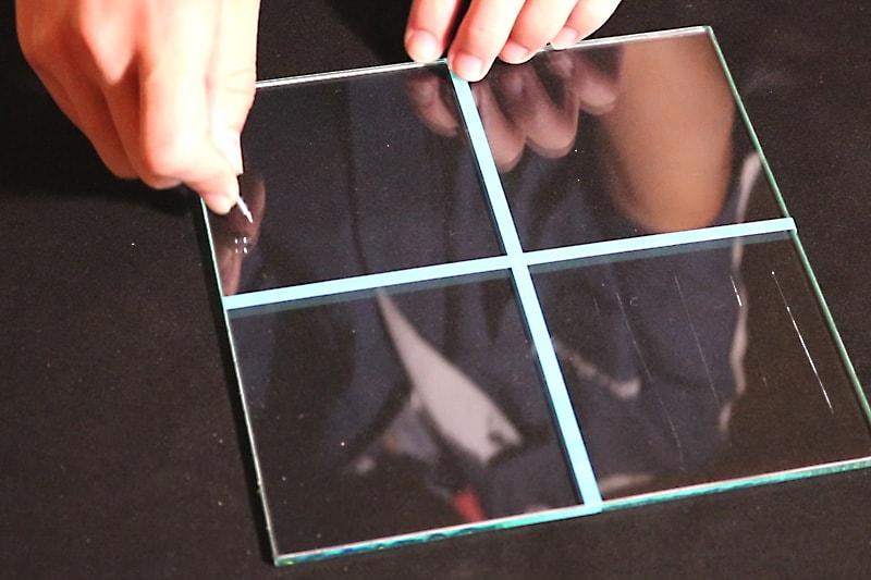 フロートガラス-ビス(1)