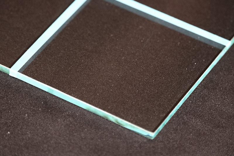 フロートガラス-ビス(2)
