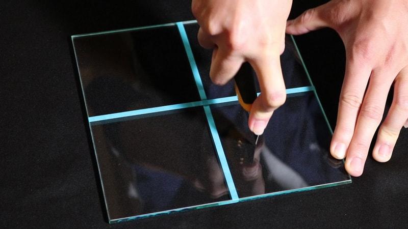ガラスのキズつきやすさ比較!7種類のガラスで検証してみた