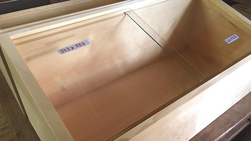 食材ケースのガラス引き戸に「透明ガラス」を使用した事例(千葉県南房総市 N様)のお写真