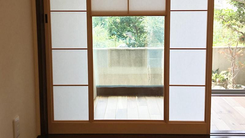お客様事例 : 雪見障子のガラスに「昭和レトロガラス」を使用した事例(徳島県徳島市 M様)