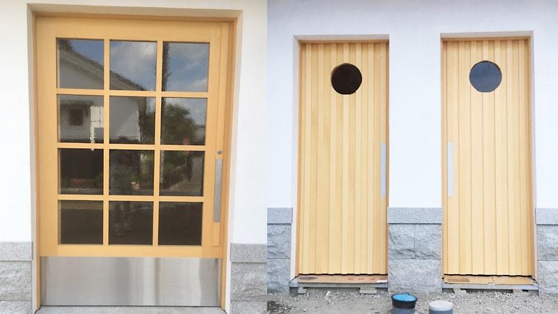 新築のドア窓に「カラードアンティーク」を使用した事例(滋賀県東近江市 N建具店様)のお写真