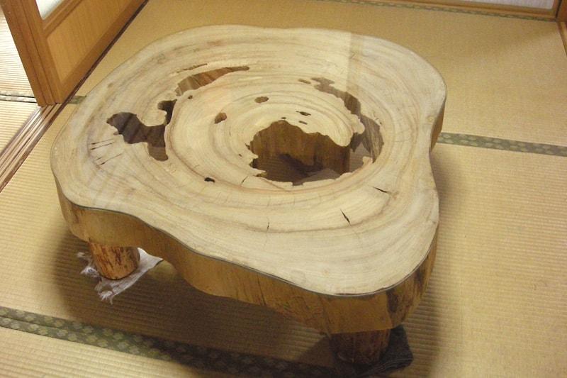 切り株のテーブルトップに使用した「強化ガラス」(1)