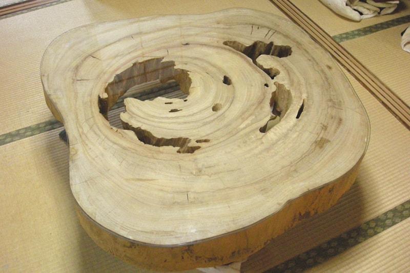 切り株のテーブルトップに使用した「強化ガラス」(3)