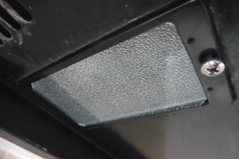 キッチンレンジフードの照明ガラスに使用した「型板ガラス」(3)