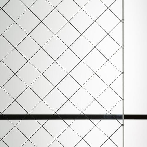 網入りガラス 磨ヒシワイヤのお写真