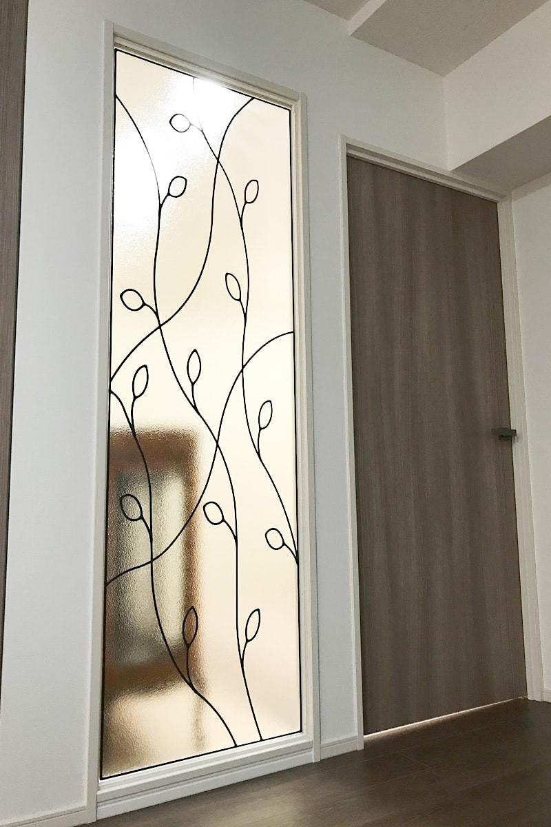 室内間仕切りに使用した「ラインアート-OG502」(1)