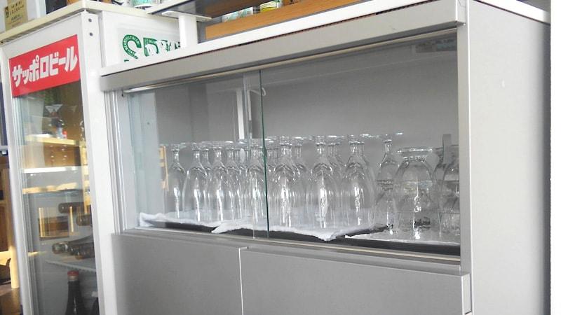 お客様事例 : 飲食店の食器棚をDIY!引き戸に「透明ガラス」を使用した事例(神奈川県川崎市 U店様)