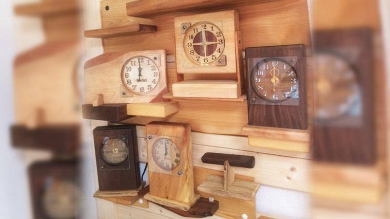 銘木で作った電波時計のカバーに「透明ガラス」を使用した事例(愛知県知多郡 S様)のお写真