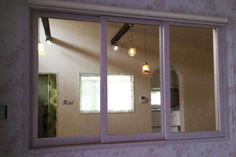 室内窓に使用した「カラードアンティーク」(3)