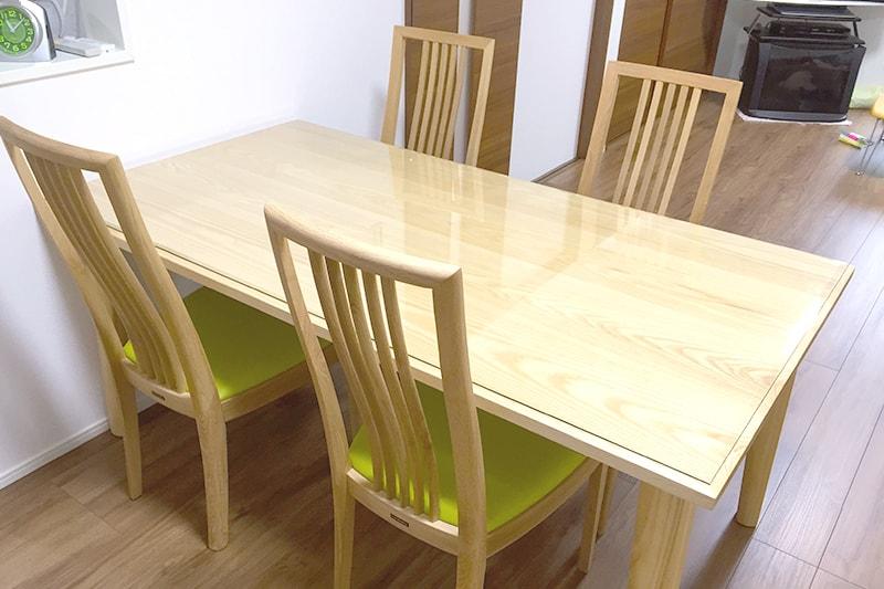 ダイニングテーブルのトップに強化ガラスを使用したK様の事例-1
