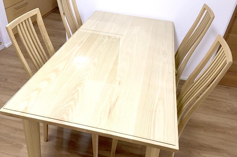 木製のテーブルに使用した「強化ガラス」(2)