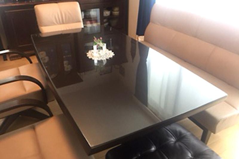 ダイニングテーブルの天板保護に使用した「強化ガラス」(1)