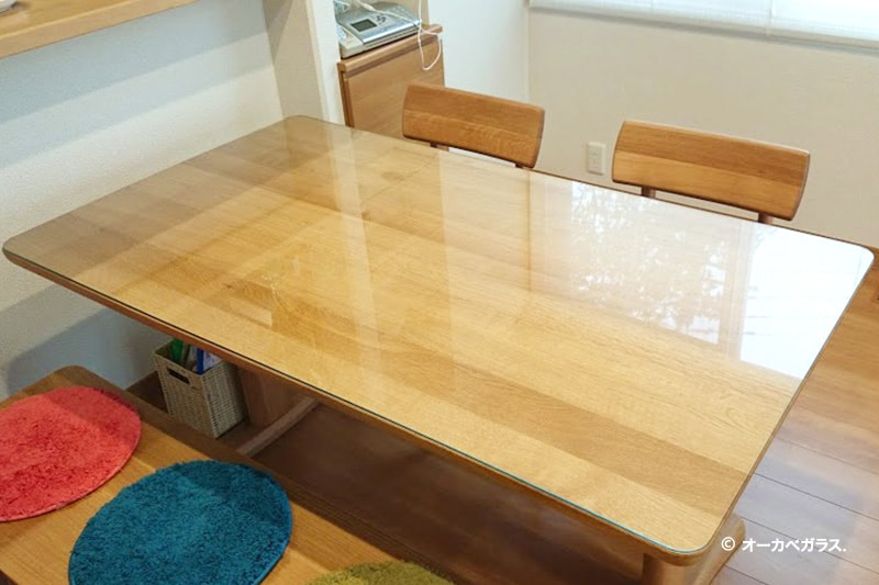 木製のテーブルトップに使用した「強化ガラス」(1)