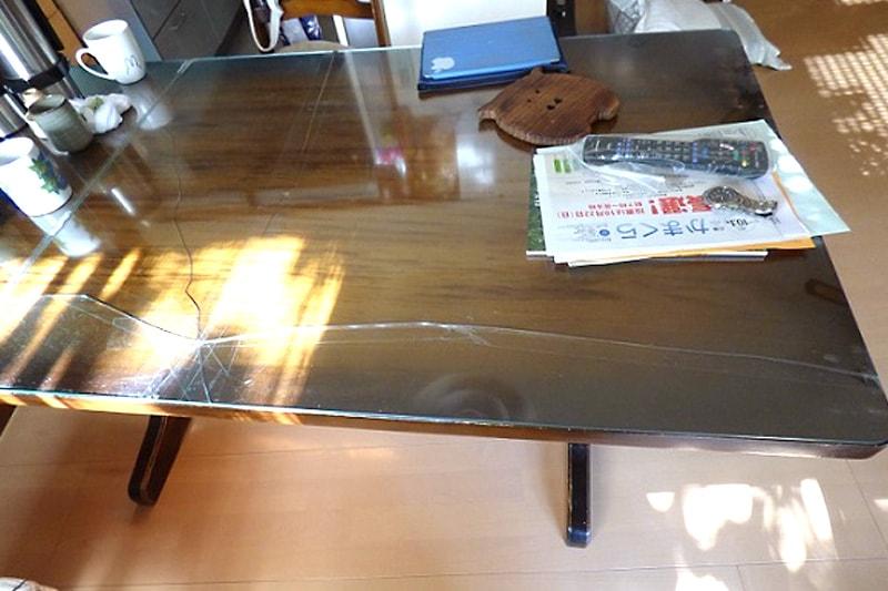 割れてしまったダイニングのテーブルに使用した「強化ガラス」(1)