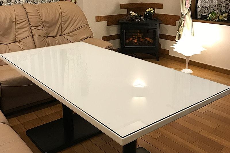 人造大理石のテーブルに使用した「強化ガラス」(1)