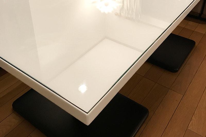 人造大理石のテーブルに使用した「強化ガラス」(2)
