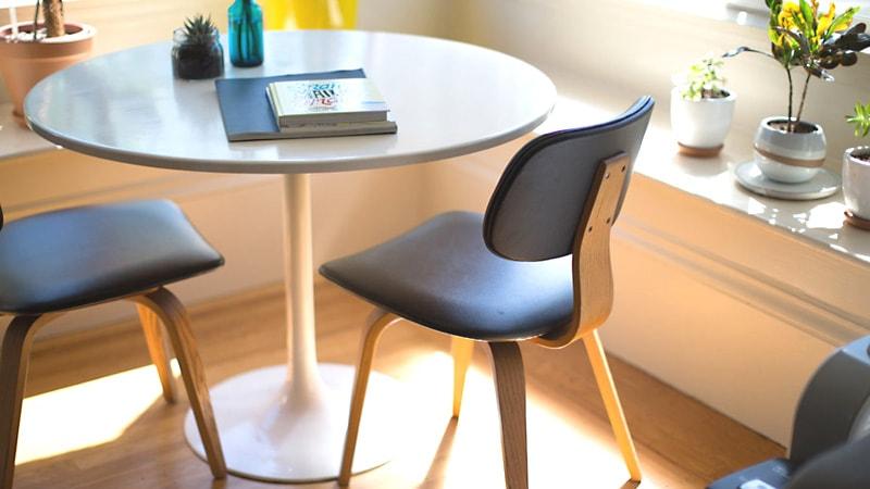 円形テーブルに「強化ガラス」のテーブルトップを使用した事例2選のお写真