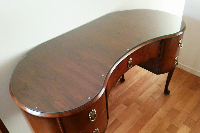 アンティーク家具のテーブルトップに使用した「強化ガラス」(1)
