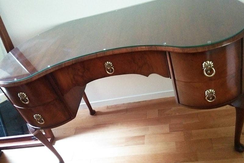 アンティーク家具のテーブルトップに使用した「強化ガラス」(2)