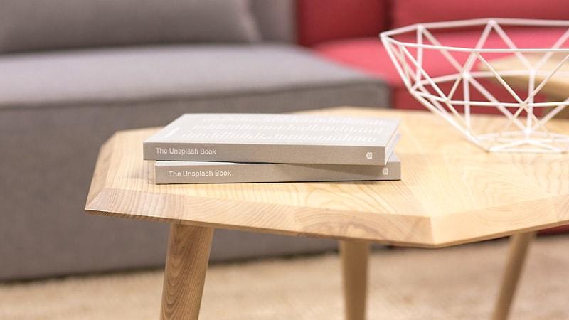 多角形のテーブルに「強化ガラス」のテーブルトップを設置した事例3選のお写真