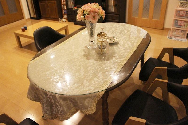 小判形のダイニングテーブルに使用した「強化ガラス」(1)