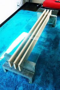 木材とセメントで作ったテーブルトップに使用した「強化ガラス」(3)