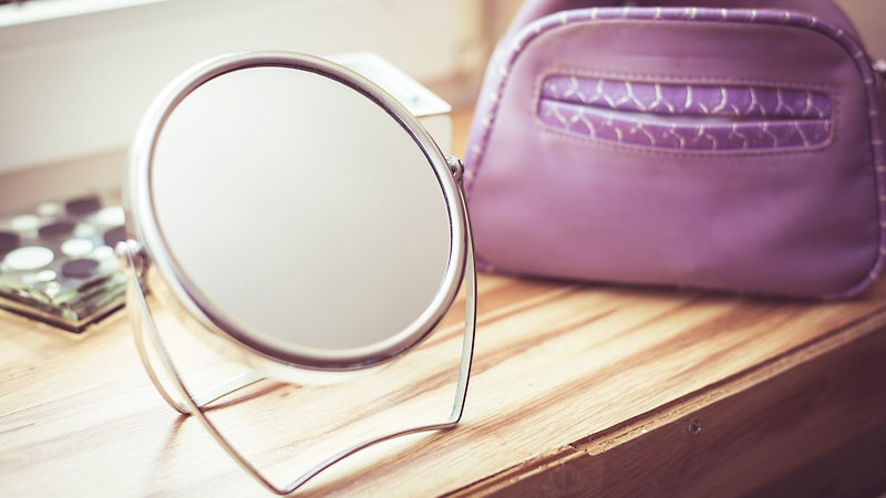 割れてしまった「置き鏡」を修理!鏡を交換修理した事例2選のお写真